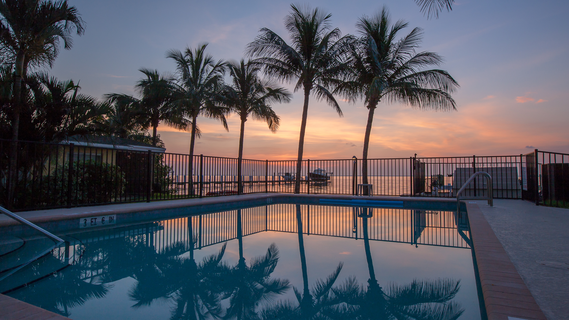 Captiva Cottages pool dawn